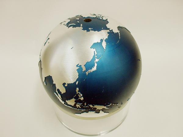 総削りの地球儀